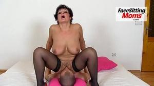 Face sitting moms